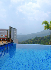 Heated, Infinity Pool